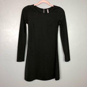 🐢Xhileration black long sleeve dress size XS